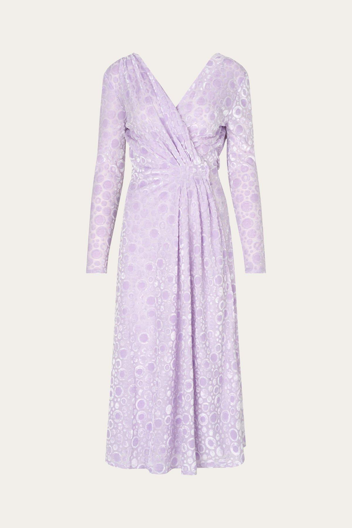 Syrinlilla kjoler med V-hals