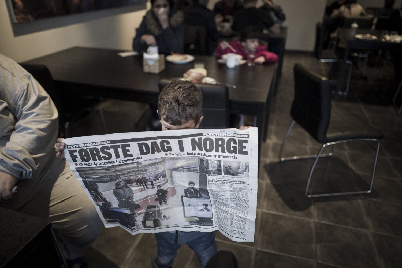FØLGES AV VG: Amer (4) viser den første artikkelen VG lagde om familien.