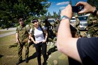 Forsvarsministere krangler om hvem som har skylden for tillitskrisen