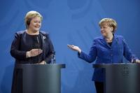 Merkel inviterte Erna til økonomi-toppmøte