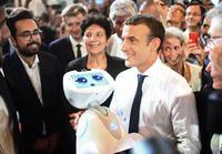 Vil møte eldrebølgen med roboter