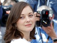 Marion Cotillard (41) i trekant-film i Cannes - vil ha flere kvinnelige motspillere
