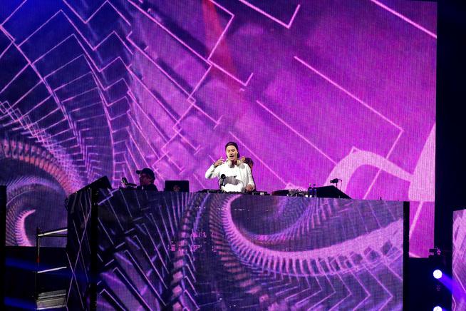 <p>STØDIG: VGs anmelder gi Kygo ros for det nitti minutter lange DJ-settet, men mener han burde forsøkt å begrense seg.</p>