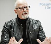 Svensk politimann med oppgjør på Facebook - hylles og kritiseres