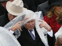 Bush-bilder tar av på sosiale medier