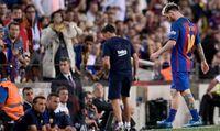 Messi måtte av banen med skade - så stilnet Ángel Correa (21) Camp Nou