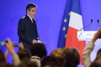 Francois Fillon trekker seg ikke fra det franske valget