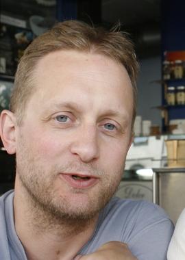 <p>TEGNESERIEEKSPERT: Øyvind Holen har skrevet mye om tegneserier, og selv gitt ut serien «Drabant».</p>