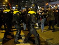 Nederlandsk politi brukte vannkanoner mot tyrkiske demonstranter