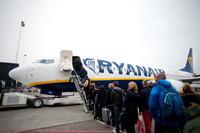 KrF lurer på hva Frp mener om flyavgiften