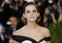 Se Emma Watson som Belle i«Skjønnheten og udyret»
