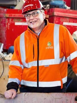 <p>Engstelig: Daglig leder John Skogen i HRS Elektroretur</p>