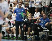 Håndball-Norge raser– men treneren angrer ikke