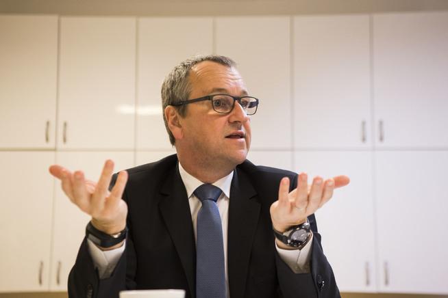 <p>KRITISK: UNICEFs regionsjef for Midt-Østen, Geert Cappelaere under et besøk i Oslo. Foto: Mariam Butt / NTB scanpix</p>