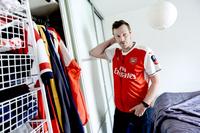 Han har over 700 Arsenal-plagg i skapet