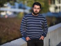 Armin (18) ble kastet ut av Forsvaret fordi foreldrene er fra Iran