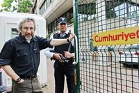 Slik strammes grepet mot pressen i Tyrkia