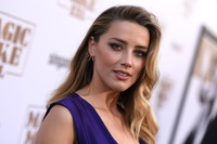 Amber Heard saksøker produsent for nakenscene