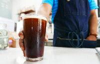 Ny trend: Tapper kaffe fra fat som øl