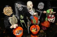 Raser mot Halloween-feiring: – Kom heller tilbake som julebukk